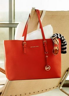 8f2f546611188 Michael Kors Handbags 2014 Love these bags except that everyone already  wear them.