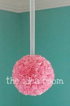 Crepe Paper Flower Balls... So cute and easy to make. Would like in Ava's Bedroom, Playroom and Definitely my Craftroom/Office!