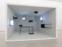 Arte y Arquitectura: Installations / Esther Stocker,Cortesía de http://www.estherstocker.net/