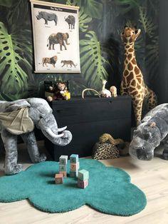 Jungle cream Great animals for a cool jungle room. Everything can be found in the shop Jungle cream Safari Nursery, Elephant Nursery, Nursery Room, Nursery Decor, Nursery Ideas, Safari Bedroom, Diy Kids Room, Kids Bedroom, Boys Jungle Bedroom