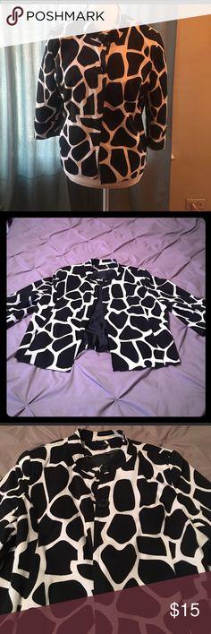 East 5th Giraffe print jacket Cropped East 5th Giraffe print jacket, Re-Posh in great shape. East 5th Jackets & Coats Blazers