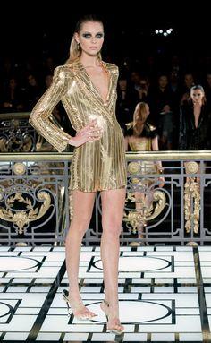 Versace Atelier - Versace Atelier - París - Mujer - Alta Costura Primavera Verano 2013 - Pasarelas, desfiles, diseñadores, videos, calendarios, fotos y backstage - ELLE.es - ELLE.ES