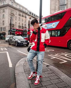 """671b2e58fe20e1 UK s Biggest Hypebeast 🇬🇧 on Instagram  """"Very cold in 🇬🇧 right now so I  bought a new jacket...🤪 Supreme x TNF Week 15  vsl.ldn code  ARI15 for 15%  off"""""""