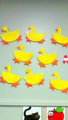 Paper plate duck craft... Yellow, orange,... Pond life or bird week in classroom