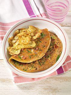Bratkartoffeln mit Gemüse-Omelett   Die Kombination von Kartoffeln und Ei deckt den Eiweißbedarf (z. B. für den Muskelaufbau) optimal.