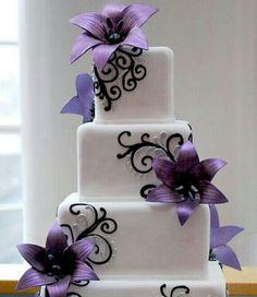 Fusia purple flower cake