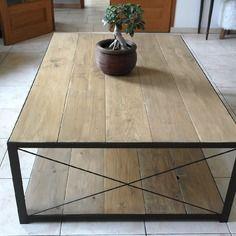 Table basse esprit loft ou intérieur de charme, en acier et bois
