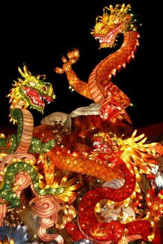 Nagasaki Lantern Festival is an annual festival in Nagasaki held on Chinese new year.The festival has been started to celebrate a new year by Chinese who lived in Nagasaki and it became the Nagasaki's festival since 1994. More than15 thousand lanterns are decorated at China town during the festival.