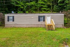 2012 Singlewide with 2 bedrooms, 1 bathroom on 0.50 acres of land in Bean Station, Tennessee. This home features new carpet, new deck, and new paint. Close to all amenities, shopping, and major highways. Possible owner finance with 10% down. Buying A Mobile Home, Mobile Homes For Sale, Home Inventory, Shingle Siding, Single Wide, New Deck, Home Network, New Carpet