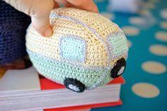Greedy For Colour: How to Crochet a Mini Vintage Caravan!!!