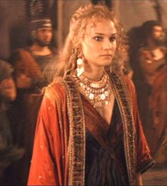 Diane Kruger as Helen of Troy Ancient Rome, Ancient Greece, Female Fighter, Diane Kruger, Movie Costumes, Women In History, Famous Women, Cleopatra, Brad Pitt