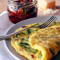 zucchini frittata by Pokakulka on DeviantArt Vegetable Recipes, Vegetarian Recipes, Cooking Recipes, Breakfast Menu, Breakfast Recipes, Good Food, Yummy Food, Appetizer Recipes, Food Porn