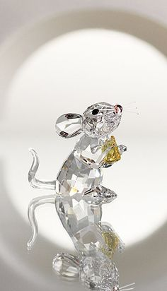 J'aime les reflets de ce crystal :Swarovski Souris