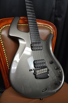 1993 Parker Fly in 'galaxy grey' w/ Sperzel 'D-Thing' and Roland GK-2AH
