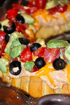 Mexican Crescent Wreath Appetizer.  Wonder what it would be like unrolled, stuffed with taco meat or pulled chicken, and then re-rolled and sliced?  Hummm....