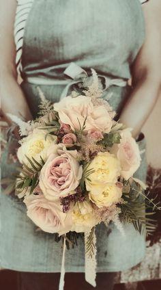 Ramo de novia con aires bucólicos, silvestres, rústicos ♡ #ramos #bodas #CórdobaEsp #novias