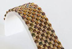 Cube Bead Bracelet - Peyote Bracelet - Seed Bead Jewelry - Seed Bead Bracelet using Autumn Gold Iris Cube Beads & Gold Seed Beads