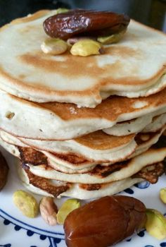 Coconut flour pancakes without cow's milk: good against binge eating - Web 2020 Best Site Coconut Flour Pancakes, Keto Pancakes, Sweet Recipes, Keto Recipes, Healthy Recipes, Healthy Baking, Healthy Snacks, Cookie Desserts, Brunch