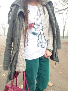 casual outfit #parka #tshirt #beanie #green #burgundy #red #rabbit #bunny #illustrations #shoes #bijoux #fashion #bracelets #earrings #buttons #fashionblog #fashionblogger #streetstyle #knit #accessories #winter  #outfit