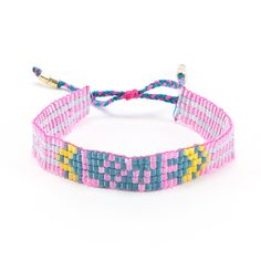 Bling bracelet LOVE - Nina Des Criquets : Enjoy a touch of originality with this chic and fun bling bracelet LOVE. Live In Style, Peace And Love, Seed Beads, Bling, Personalized Items, Chic, Bracelets, Letter, Handmade