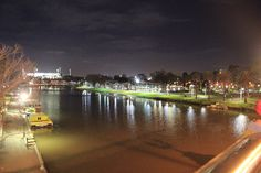Melbourne by night-2. by Awes Amin