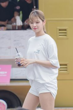 #TWICE #JEONGYEON #DanceTheNightAway : Mini FanMeeting MBC