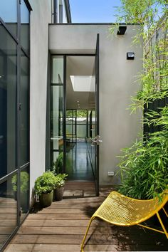 Xosy courtyard space by Carr Architecture | adamchristopherdesign.co.uk