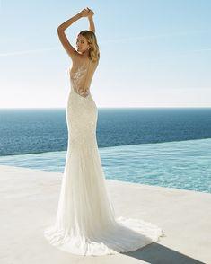 Brautmode für Ihren besonderen Tag, Tulle Wedding, Wedding Dresses, Pronovias, Wedding Wishes, Marie, Wedding Planning, Neckline, Mermaid Style, Collection