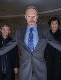 Am I the only one who knew exactly what Sherlock was going to do at the end of the episode as soon as this scene happened?