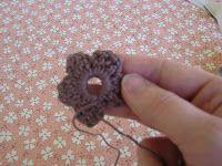 The Handmade Dress: Crochet Flower Tutorial