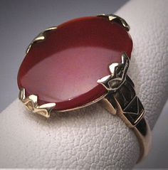 Antique Ruby Ring Vintage Art Deco Gold Wedding 1920 Engagement Retro Antique Ruby Ring Vintage Art Deco Gold by AawsombleiJewelry Diamond Jewelry, Gold Jewelry, Jewelry Rings, Jewelery, Jewelry Accessories, Hair Jewelry, Ruby Ring Vintage, Vintage Rings, Vintage Art