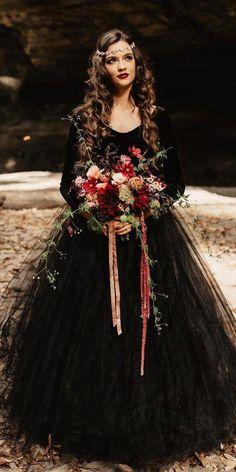 Dark Romance: 24 Gothic Wedding Dresses - Home & Women Wedding Beauty, Dream Wedding, Wedding Day, Wedding Hacks, Geek Wedding, Summer Wedding, Black Wedding Dresses, Wedding Gowns, Black Weddings