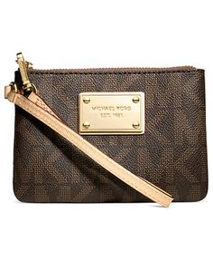 MICHAEL Michael Kors Jet Set Small Signature Wristlet - pretty in Vanilla.