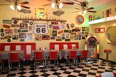 Anne Fannie's Green Acres: Pink Saturday in our Diner