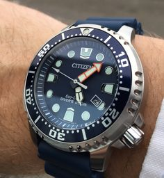 New Citizen Promaster Professional Diver some pics - Page 252 Stylish Watches, Cool Watches, Watches For Men, Armani Watches, Luxury Watches, Sport Watches, Citizen Watches, Citizen Dive Watch, Best Affordable Watches