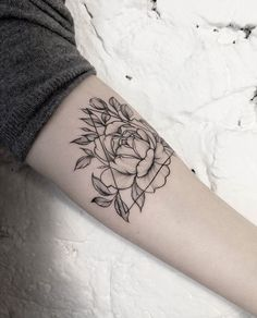 Biggest Tatto Gallery - Geometric peony tattoo by dasha_sumtattoo. These blackwork tattoos are the most exquisite creations by some of the most renowned tattoo artists out there for your pleasure. - Find Your Perfect Tatto Now Rose Tattoos, Body Art Tattoos, New Tattoos, Small Tattoos, Sleeve Tattoos, Tatoos, Lotusblume Tattoo, Piercing Tattoo, Piercings