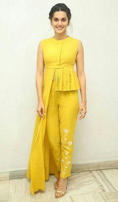 Haldi Ceremony Dresses & Styling Tips Indian Gowns Dresses, Indian Fashion Dresses, Dress Indian Style, Indian Designer Outfits, Fashion Outfits, Indian Fashion Trends, India Fashion, Stylish Dress Designs, Designs For Dresses