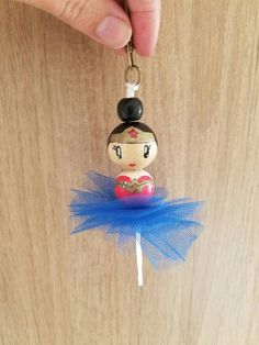 Ballerina Wonder Woman handbag - Apartment Balcony Decorating dolls how to make Bead Crafts, Jewelry Crafts, Diy And Crafts, Arts And Crafts, Diy For Kids, Crafts For Kids, Clothespin Dolls, Wonder Woman, Family Crafts