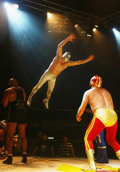 Mexican Wrestlers Lucha Libre Prepare For London Shows Mexican American, Mexican Wrestler, Catch, Andre The Giant, Mexico Culture, Masked Man, Football Memes, Sports Figures, Professional Wrestling