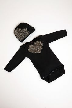 Newborn Infant Black Long Sleeve Baby Girl Onesie Set with Chiffon Heart