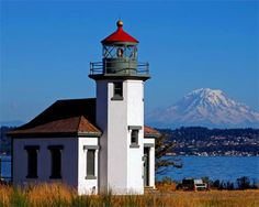 *Point Robinson Lighthouse, Vashon Island, 15 minute ferry ride from Tacoma. Option if we have extra time.