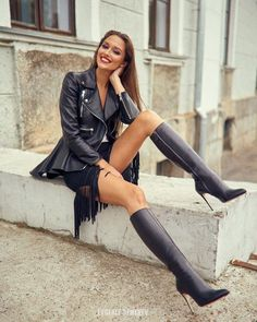 Leather Fashion, Fashion Boots, Sexy Outfits, High Heel Boots, Heeled Boots, Stiletto Boots, High Heels, Sexy Stiefel, Over The Knee Boot Outfit