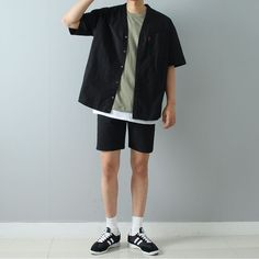 pin: @fabxiety (͡° ͜ʖ ͡°) Korean Fashion Men, Asian Fashion, 90s Fashion, Fashion Outfits, Stylish Mens Outfits, Casual Outfits, Men Casual, Mens Clothing Styles, Street Wear