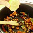Pomsta hájnikovej ženy • recept • bonvivani.sk Kung Pao Chicken, Ethnic Recipes, Food, Meal, Essen, Hoods, Meals, Eten