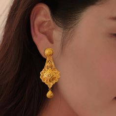 Gold Ring Designs, Gold Bangles Design, Gold Jewellery Design, Jewelry Design Earrings, Gold Earrings Designs, Beaded Jewelry, Jewlery, Gold Earrings For Women, Gold Jewelry Simple