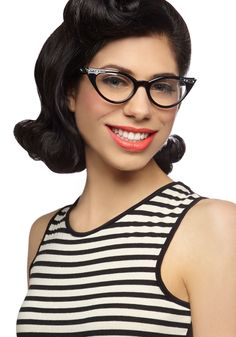 See Eye to Cat-Eye Glasses in Black. Make your fabulous outlook on life clear to all when you don these darling cat-eye glasses. Cool Glasses, Cat Eye Glasses, 1960s Fashion, Vintage Fashion, Work Fashion, Dapper Day, Girls With Glasses, Mode Style, Modcloth