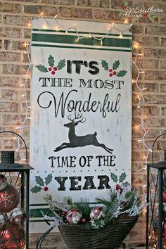 vintage look christmas sign, christmas decorations, crafts, seasonal holiday decor