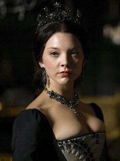 Natalie Dormer as Anne Boleyn in The Tudors (TV Series, 2010).