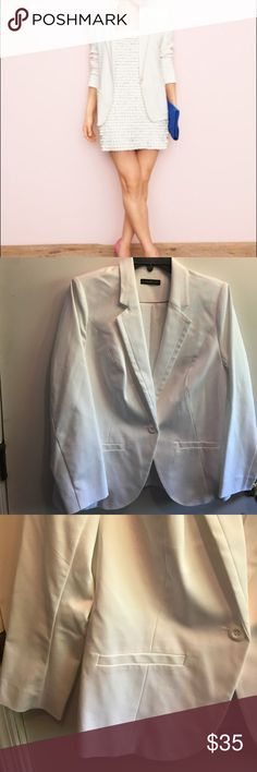 """white tailored lined blazer Lane Bryant white tailored blazer gives versatility & anything polish! Has stretch slash pockets & Single button closure. Notched lapels. Vented back. Padded shoulder inserts. Fully lined. Cotton Polyester Spandex blend. Sz 14/16,  40"""" bust measurement. Excellent condition worn once. Check my closet for other similar items. No trades. Lane Bryant Jackets & Coats Blazers"""