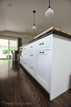 Reviewing my own house – kitchen cabinets.  The real truth about white, inset cabinetry. 4men1lady.com